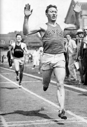Glenn_Cunningham_competing_for_KU_circa_1933